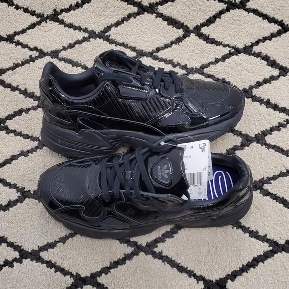 matiz Mojado Presentar  adidas Shoes | Adidas Falcon Core Black Patent Leather Sneakers | Poshmark